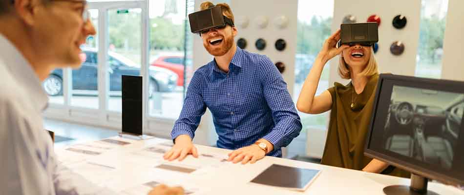 Customers using virtual reality - Understanding the Buying Experience Improves the Sales Process
